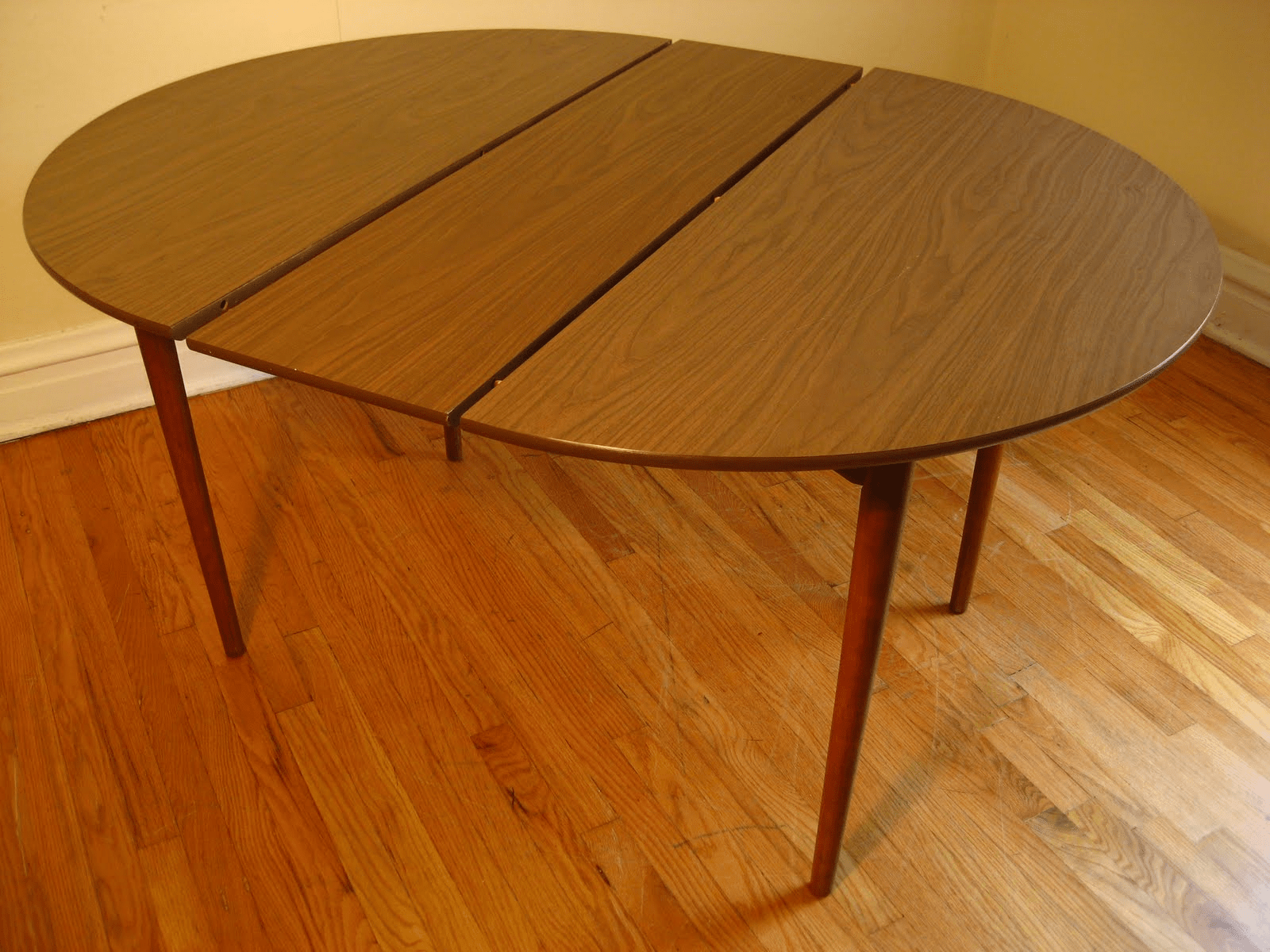 Formica top dining table