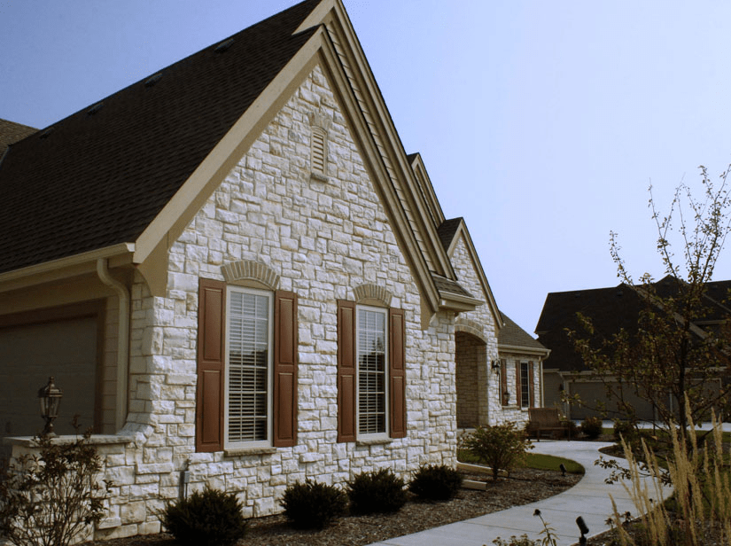 Limestone wall veneer