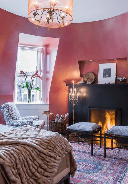 Raspberry pink master bedroom romantic decoration