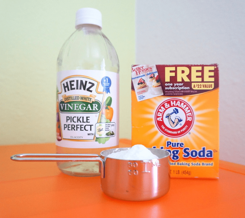 Vinegar and baking soda for cleaning