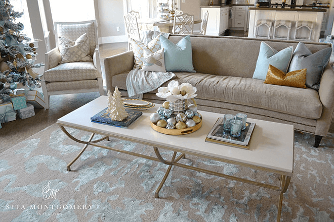 Coffee table White Christmas decoration ideas