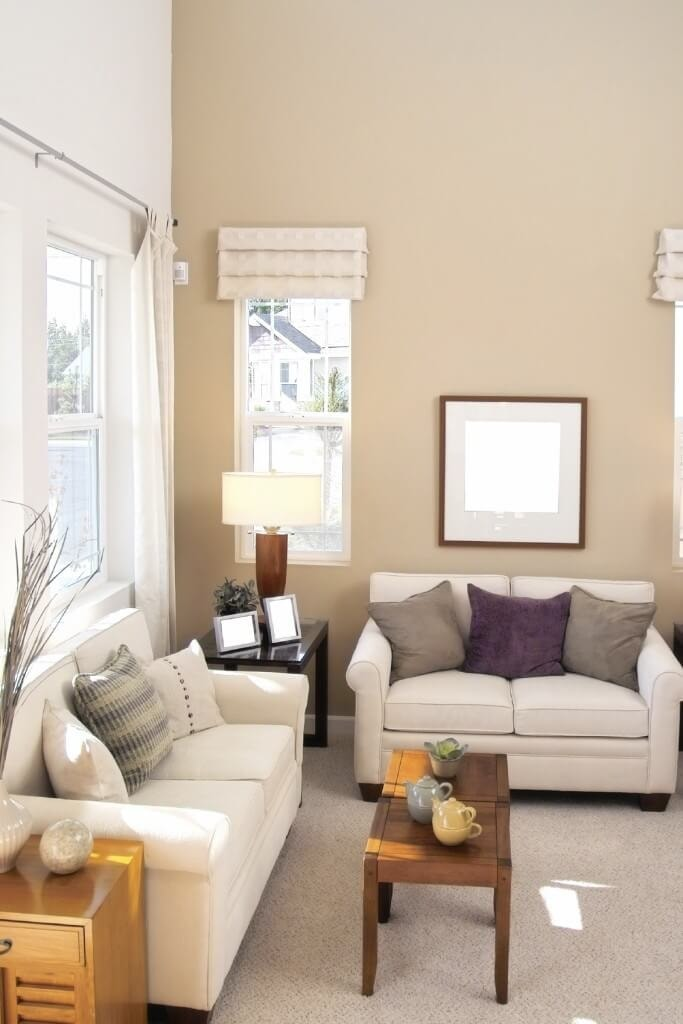 7 simple tips to decorate a small living room - Corner tables for living room online ...