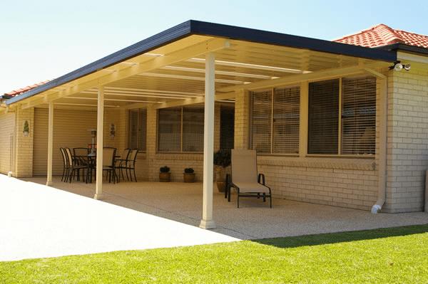 Flat porch roof construction