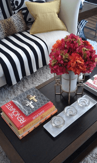 HOW TO DECORATE COFFEE TABLE TRAY WITH PLANTS