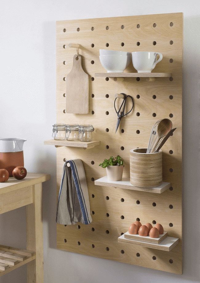 How to Decorate A Bare Kitchen Wall with peg board