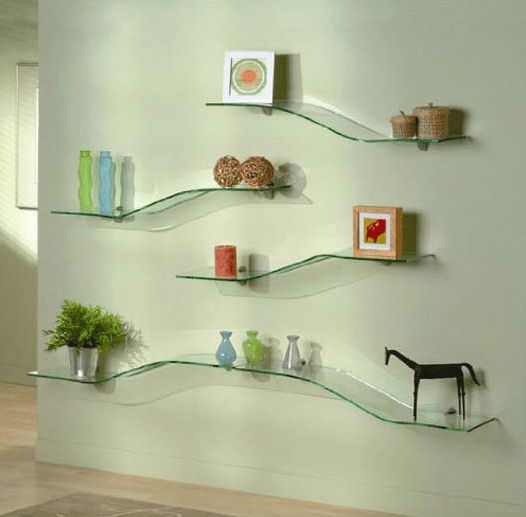 How to decorate glass shelves in living room