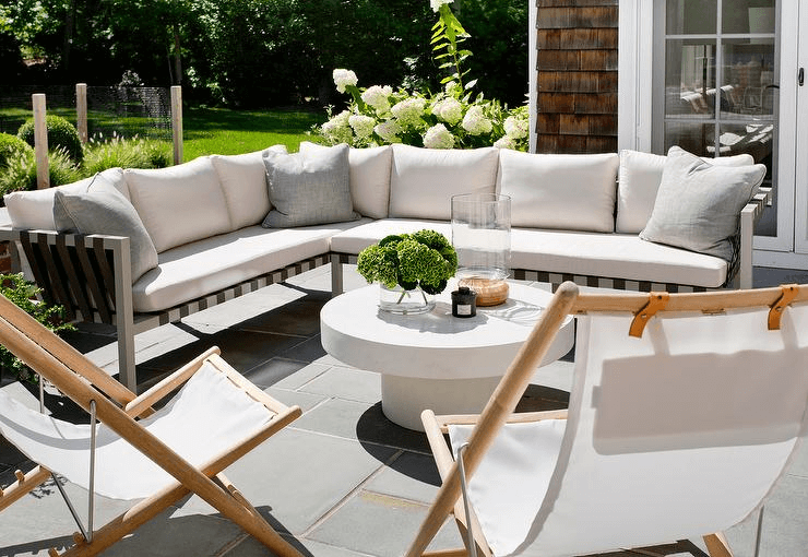 Outdoor white coffee table decor