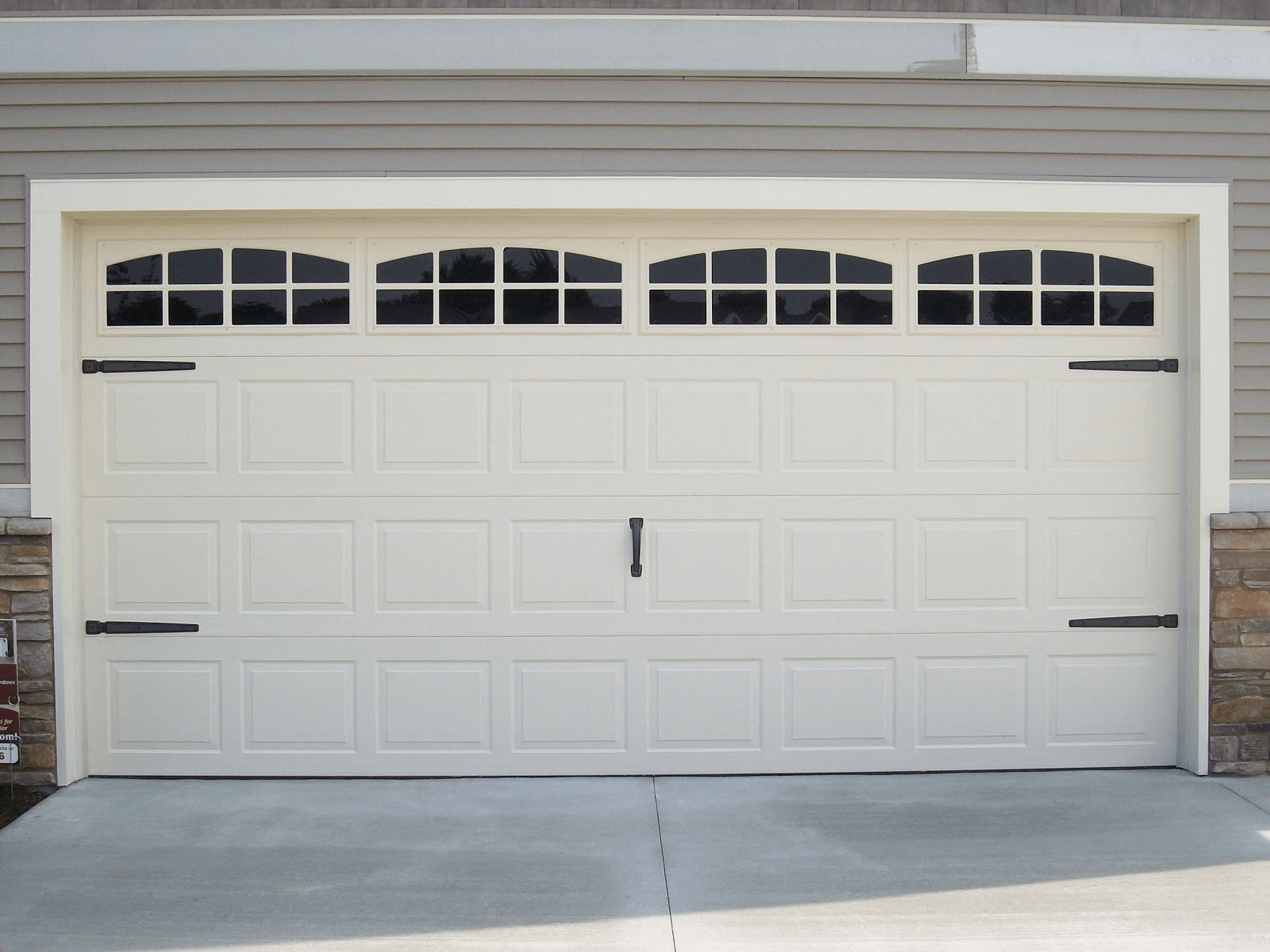 Garage Doors Design Options: Garage Door Designs With Windows