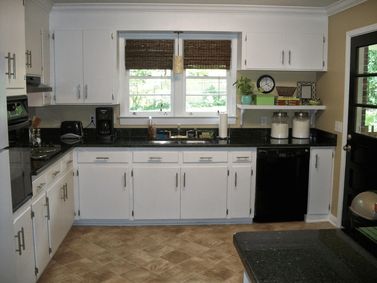 Consideration choosing kitchen countertop materials for Kitchen design companies