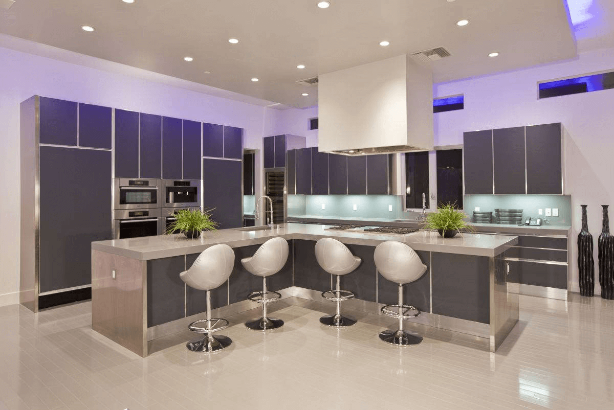 Modern Kitchen Island Chairs L shaped with flower and sink as decoration at counter top