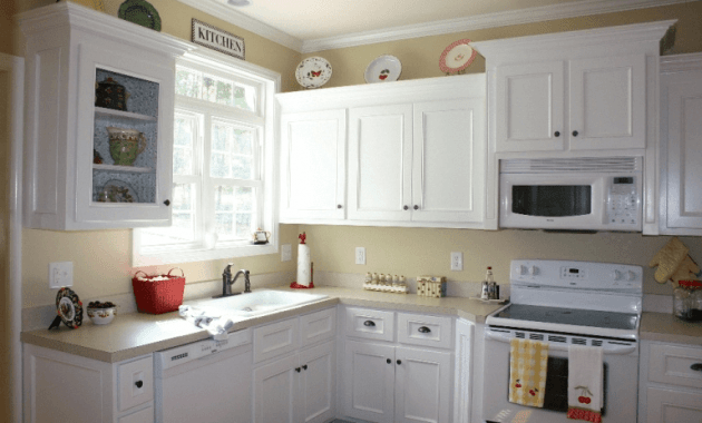 Nice kitchen cabinets painted white