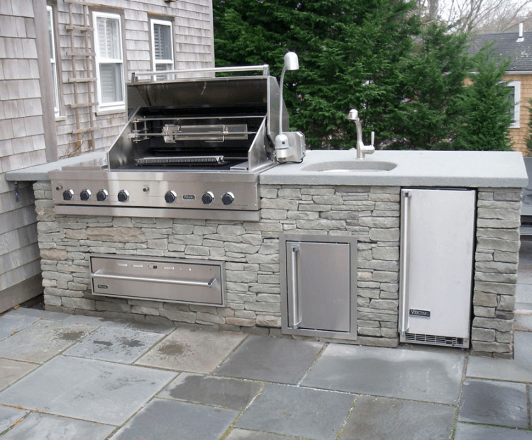 Outdoor Kitchen Island with Sink and grill