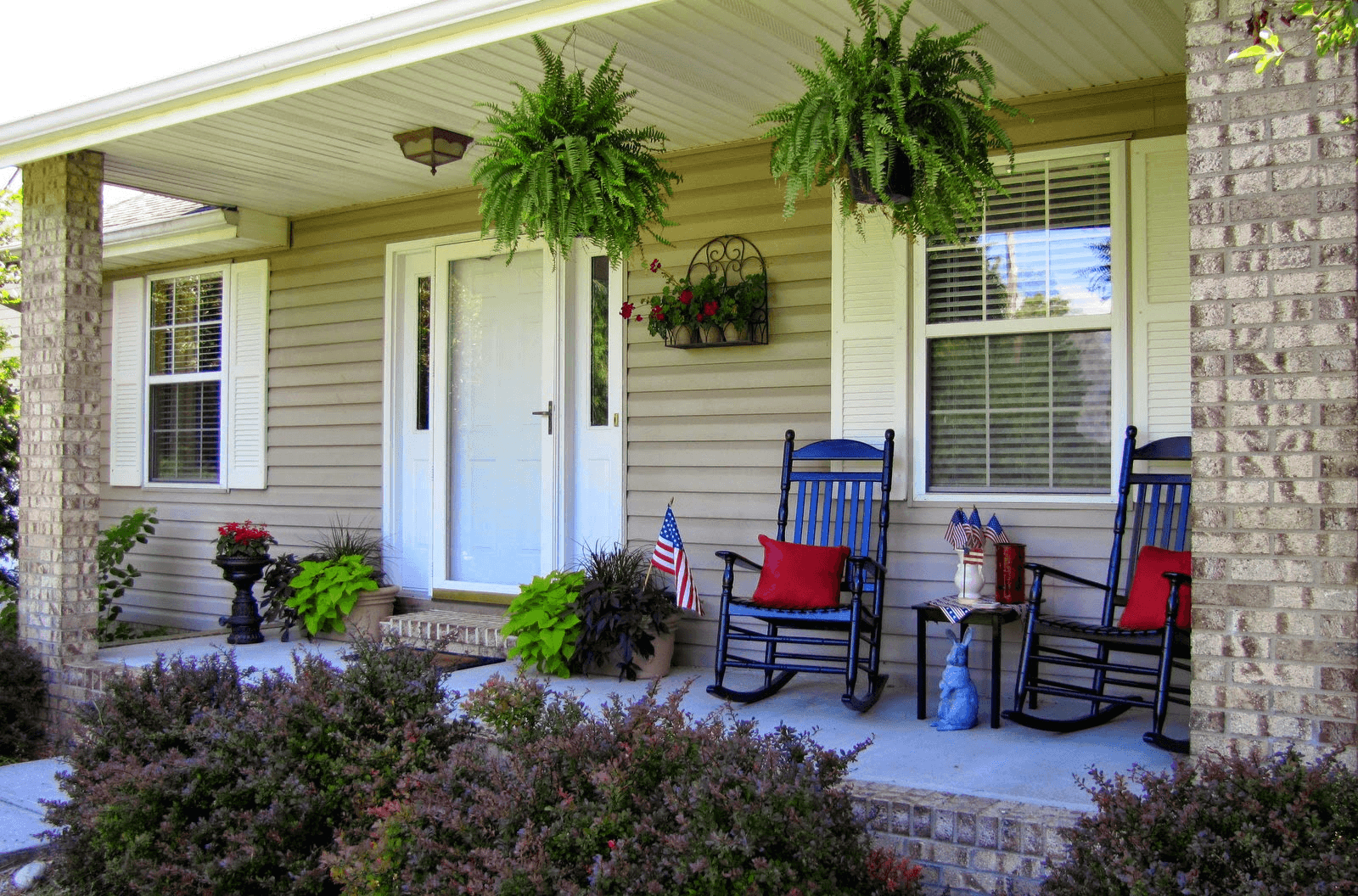 Patio decoration with rocking chairs