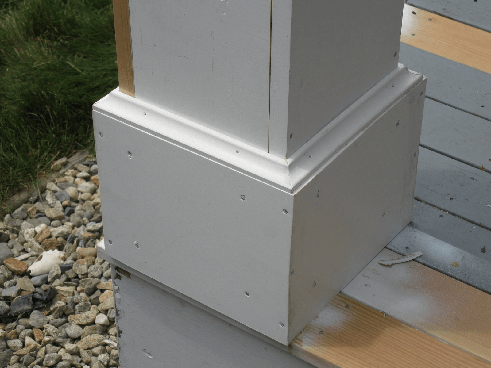Porch column base molding