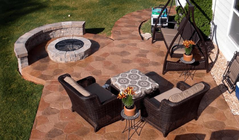 Random Pattern porch flooring idea