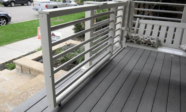 Sliding gate for porch