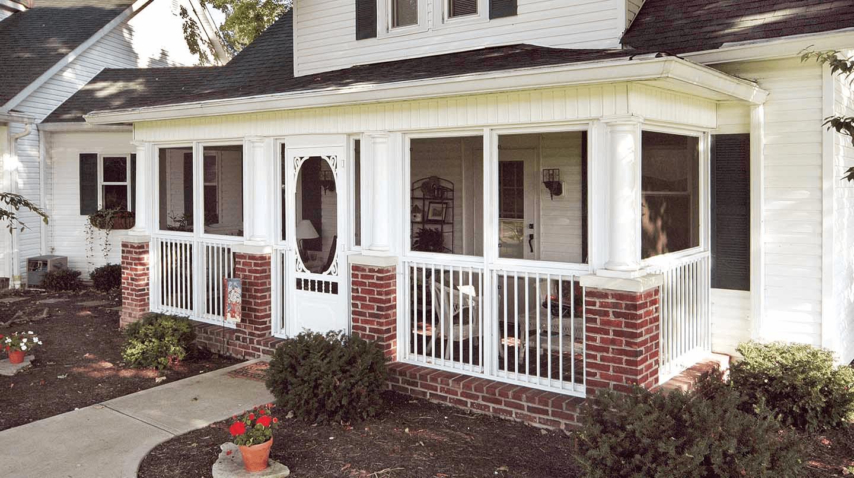White and brick wall patio screen enclosure ideas