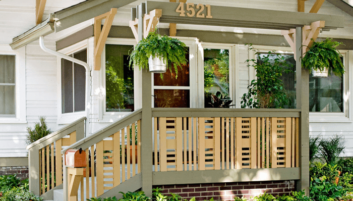 Interesting design wooden Front porch railing ideas with flower pots decorations