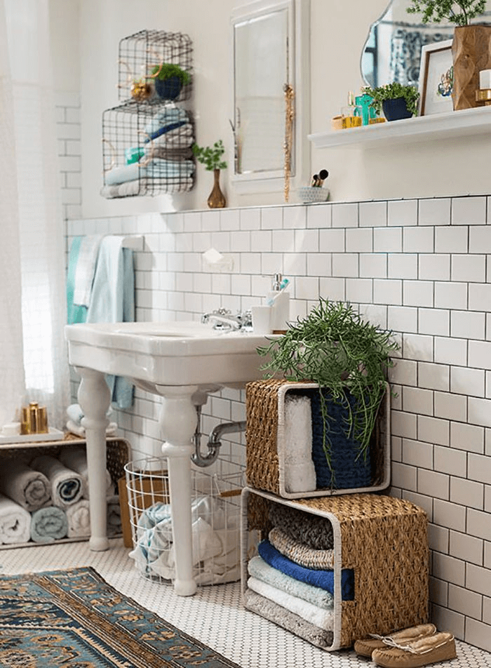 Bohemian Landing Wall bathroom