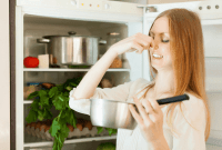 How to Get Rid of Smell in Fridge