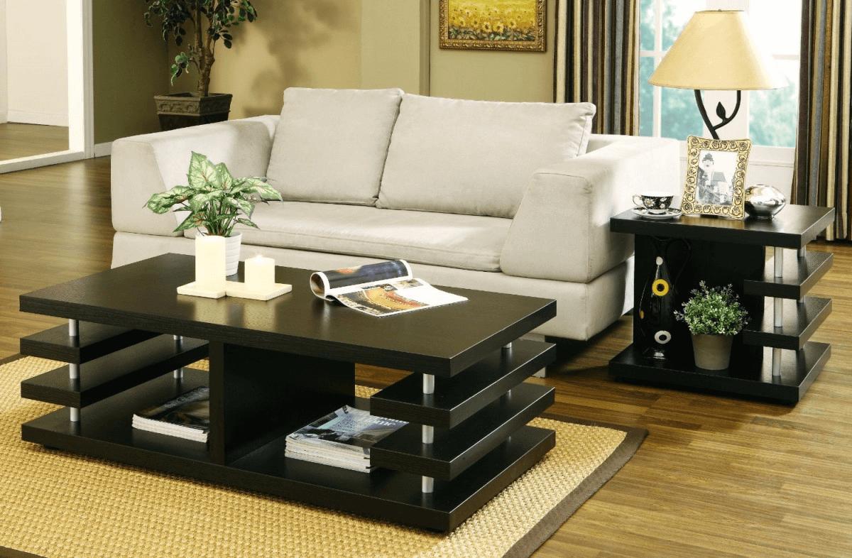 Bold and minimalist living room coffee table decor