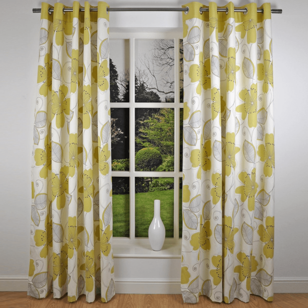 Bold print curtains for front window decoration