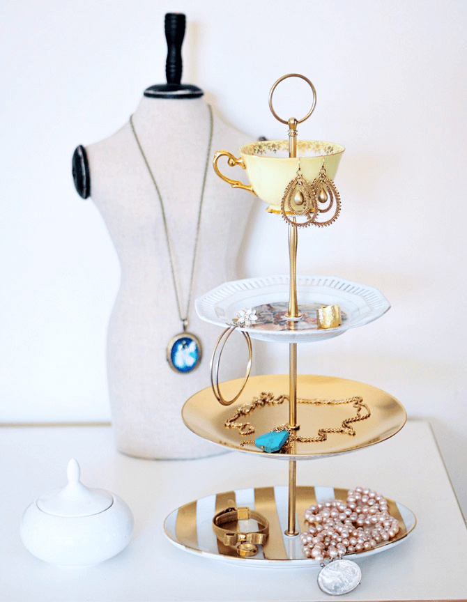 Tiered tray jewelry display