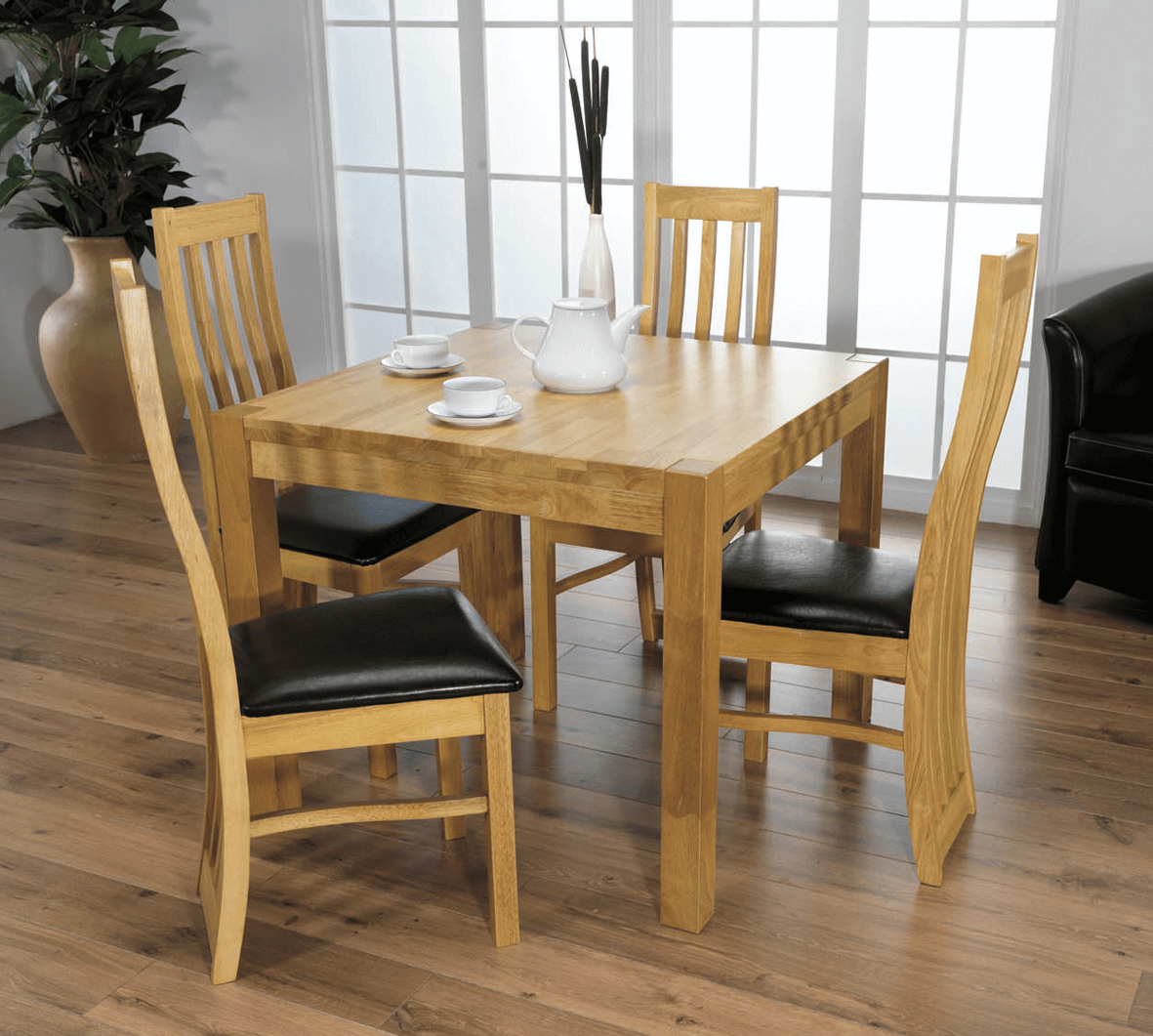 Dining Room Table Decor For Small Family