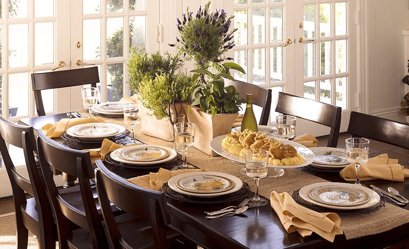 Decorating dining table for thanksgiving