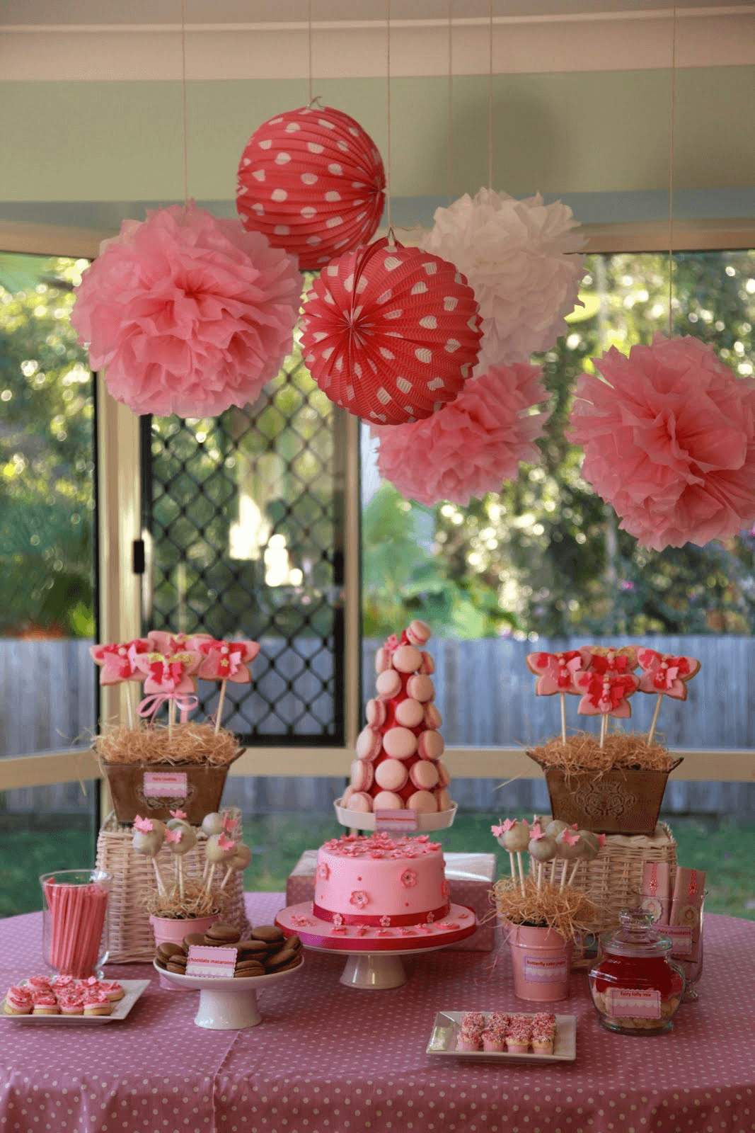 Dining table decor birthday party
