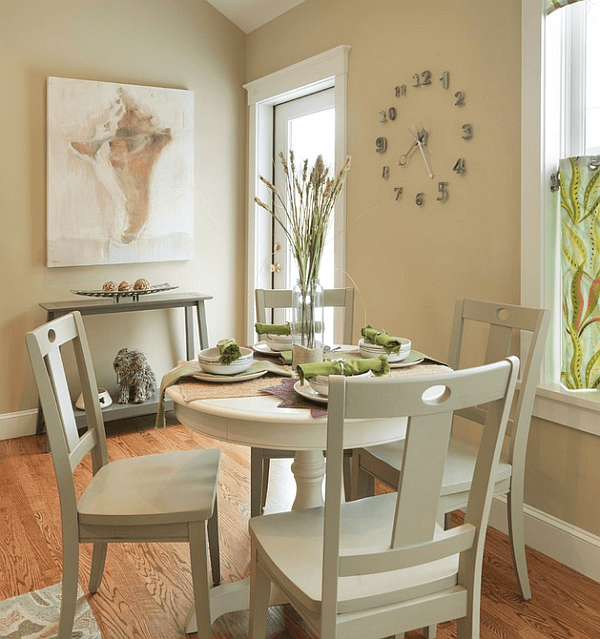 How to decorate a small round dining table