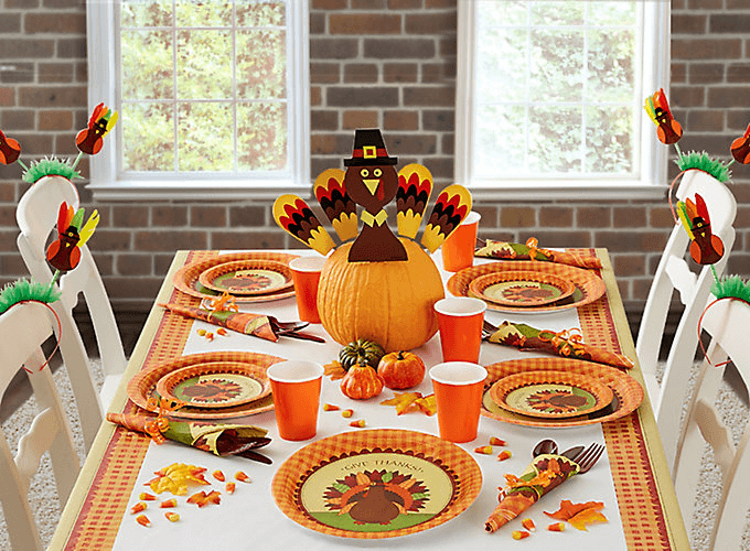 Thanksgiving dining table decorations