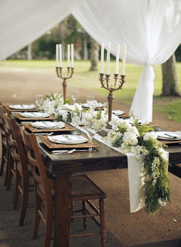 Floral dining table runner decor ideas for spring
