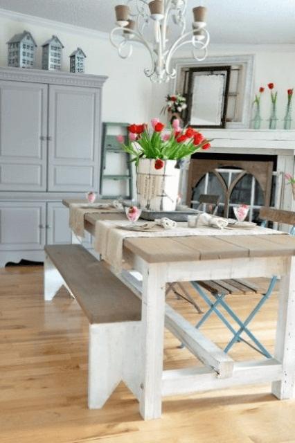 Fresh flower Arrangements Farmhouse dining room table decor for spring
