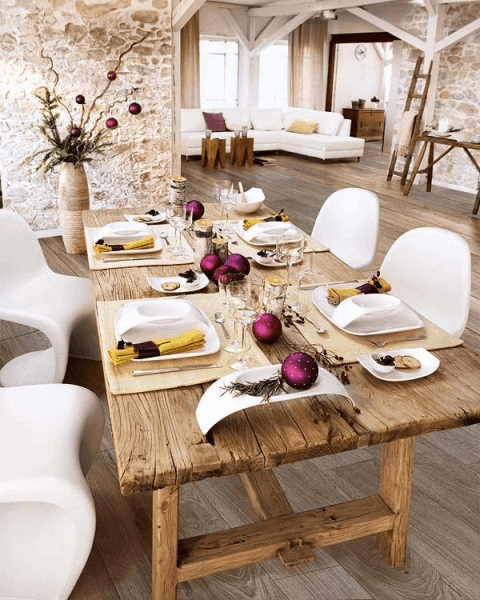 How to decorate a large rustic dining room table for christmass