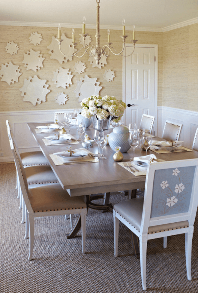 Simple Warm Dining Room Wall Décor with Plates