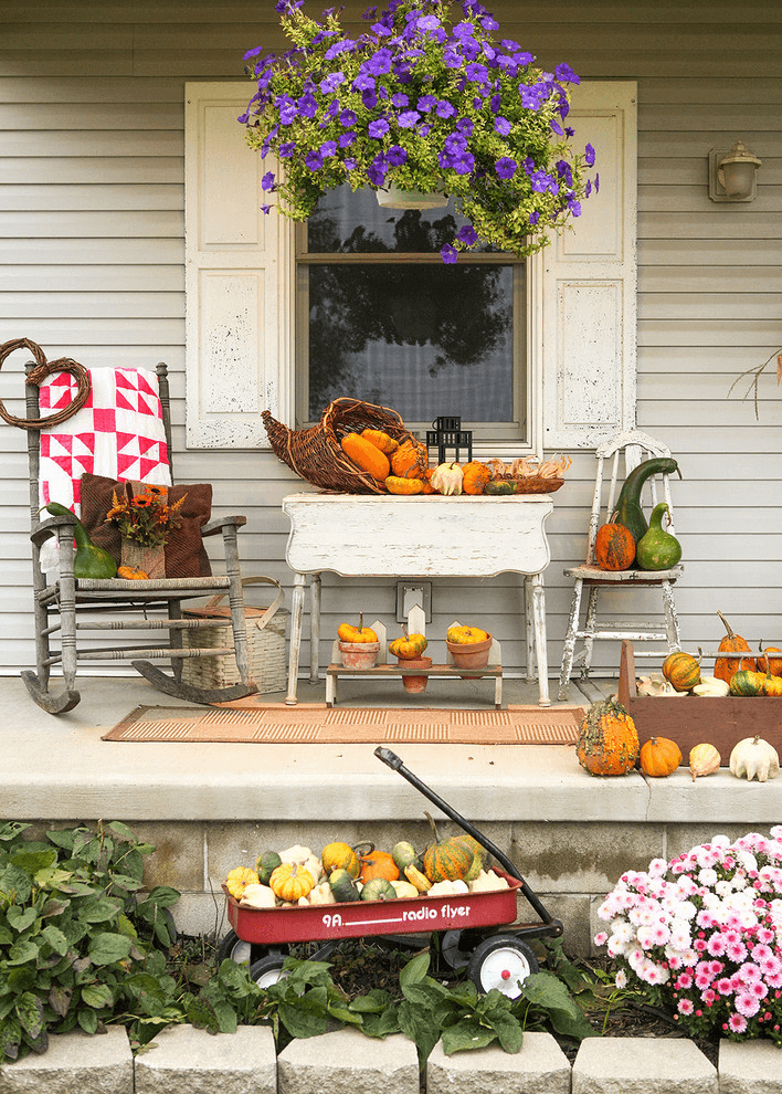 Old Grocery Trolley for Garden Display rustic farmhouse porch decor ideas