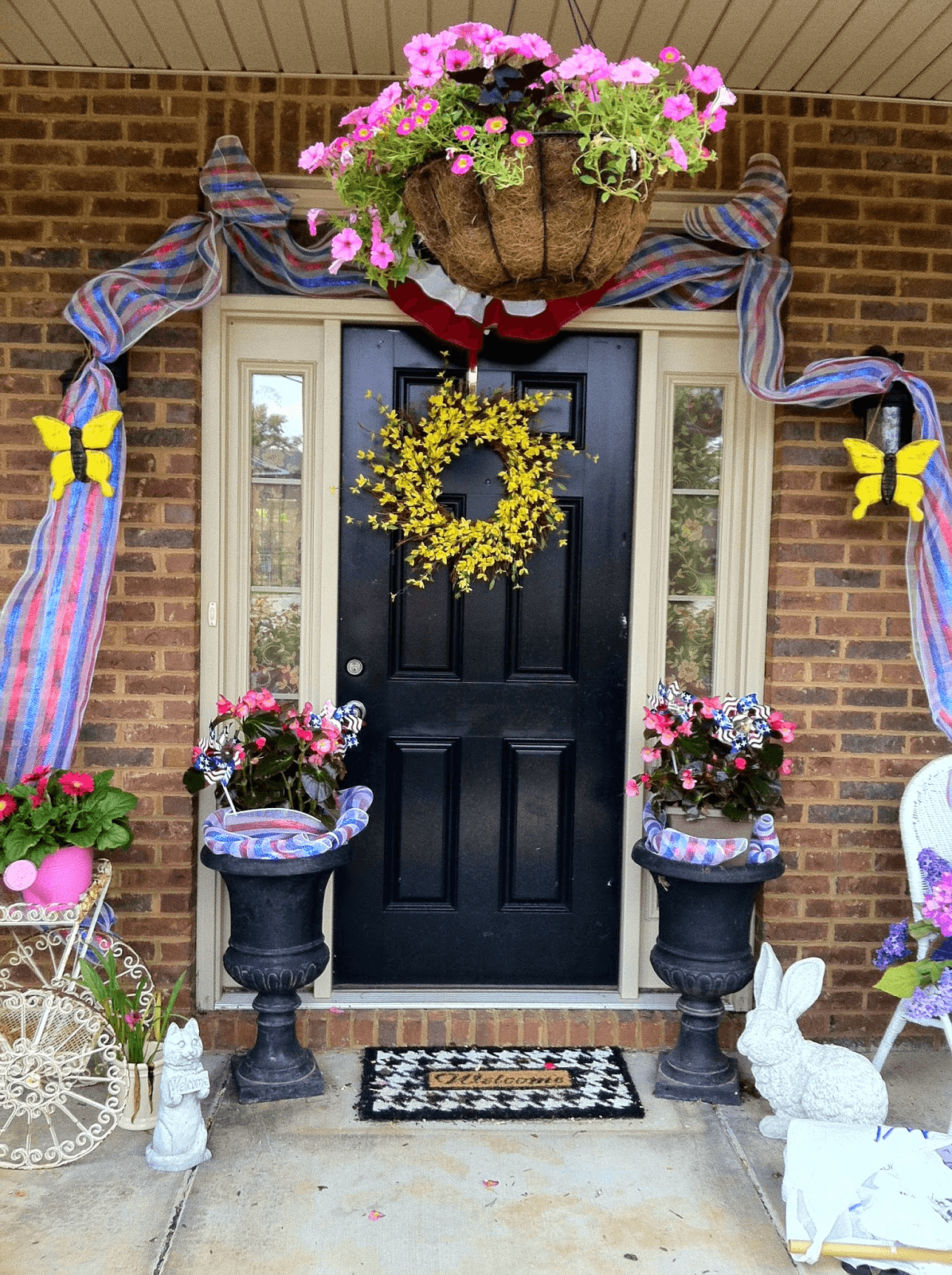 How to decorate small front porch for summer