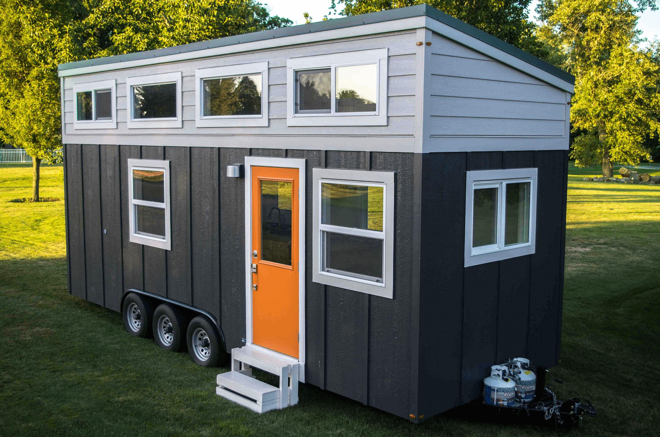 Simple tiny house one level design exterior