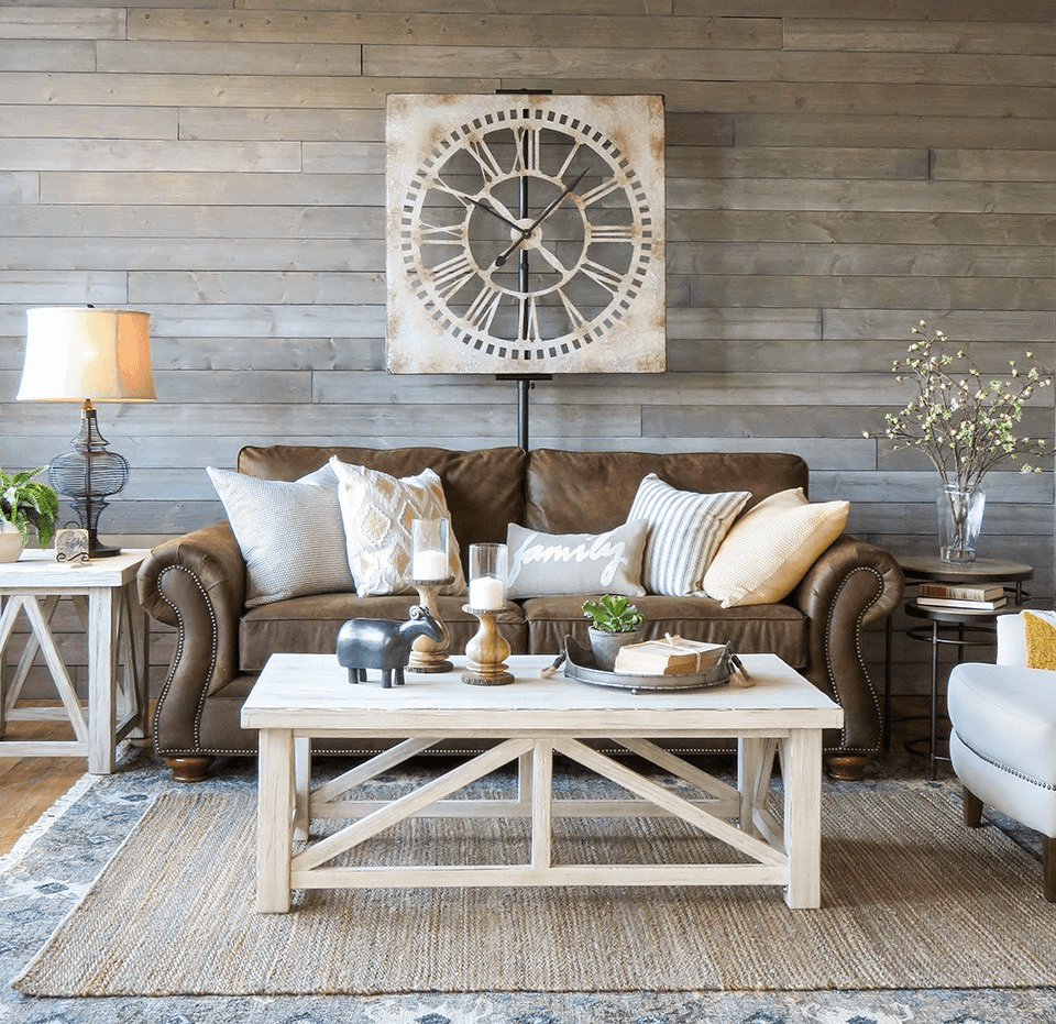Farmhouse coffee table for living room with nice decoration ideas