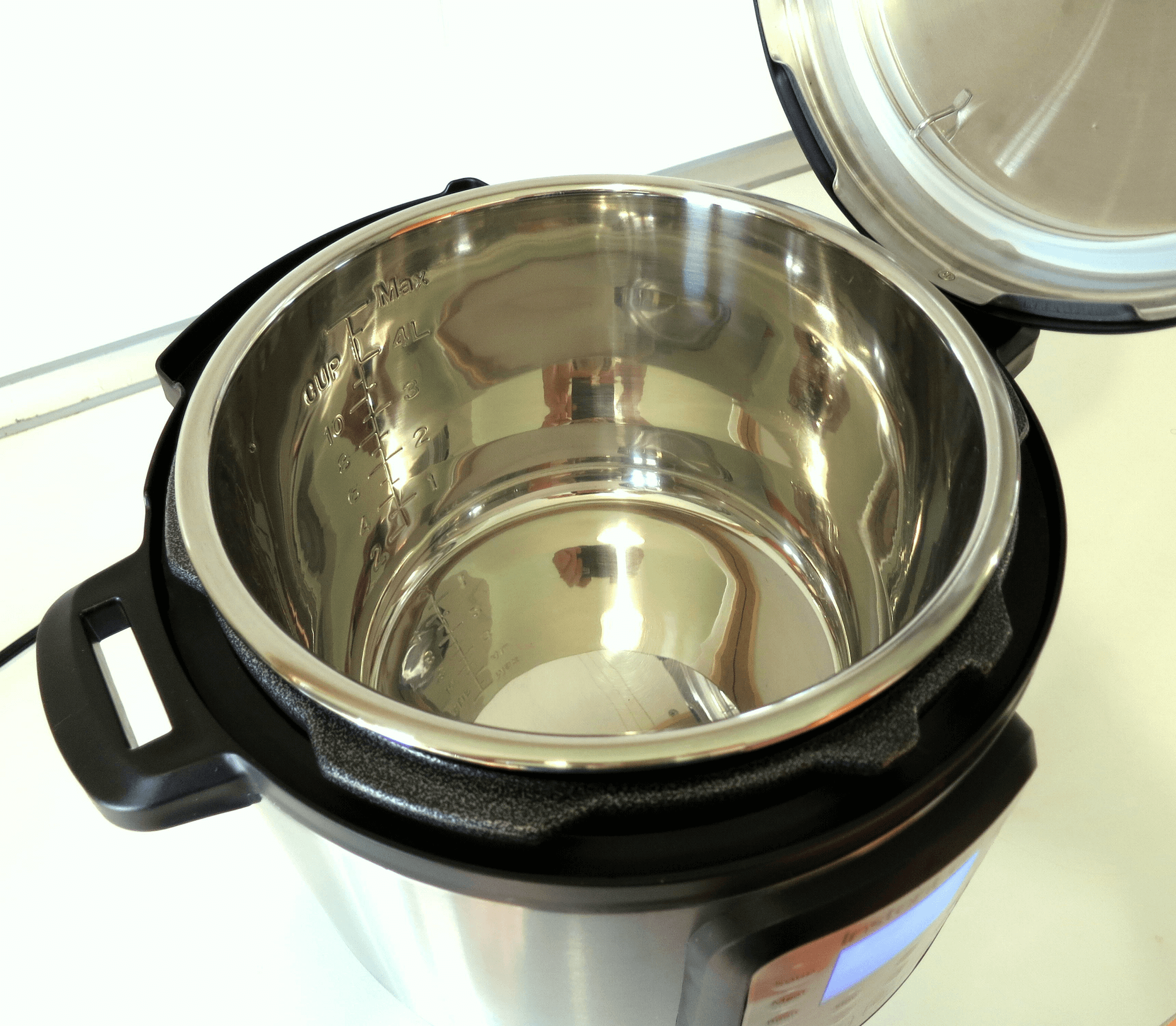 How to Clean a Burnt Pressure Cooker Pot without Scrubbing