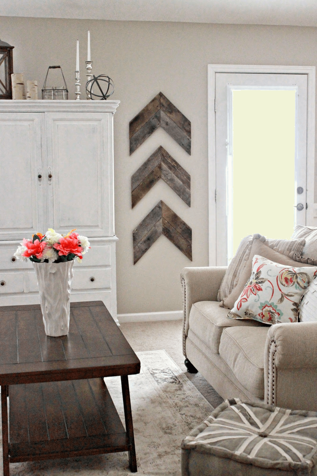 Chevron Wooden Wall Farmhouse Living room Decor ideas