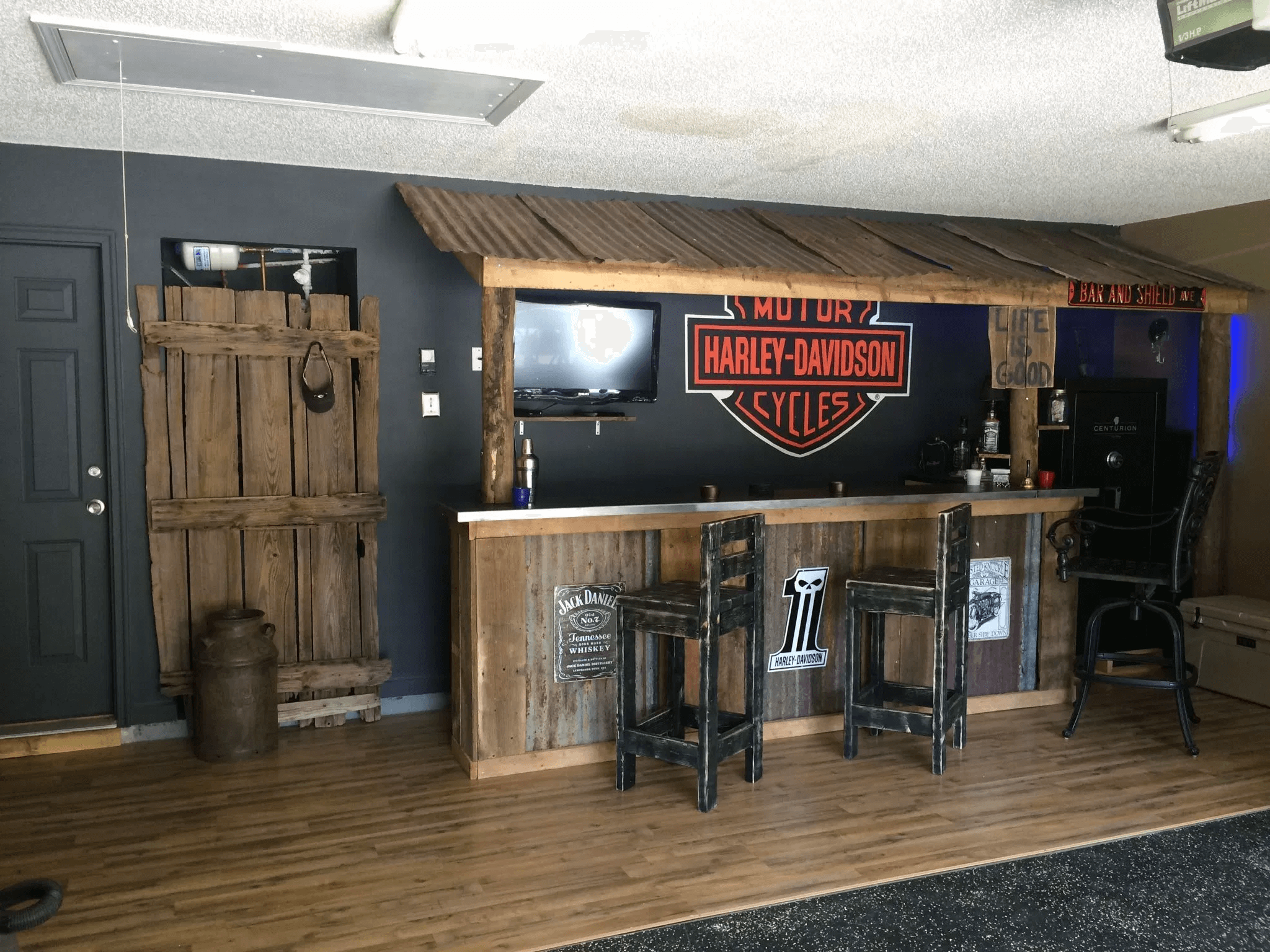Makeover ideas Garage bar design ideas