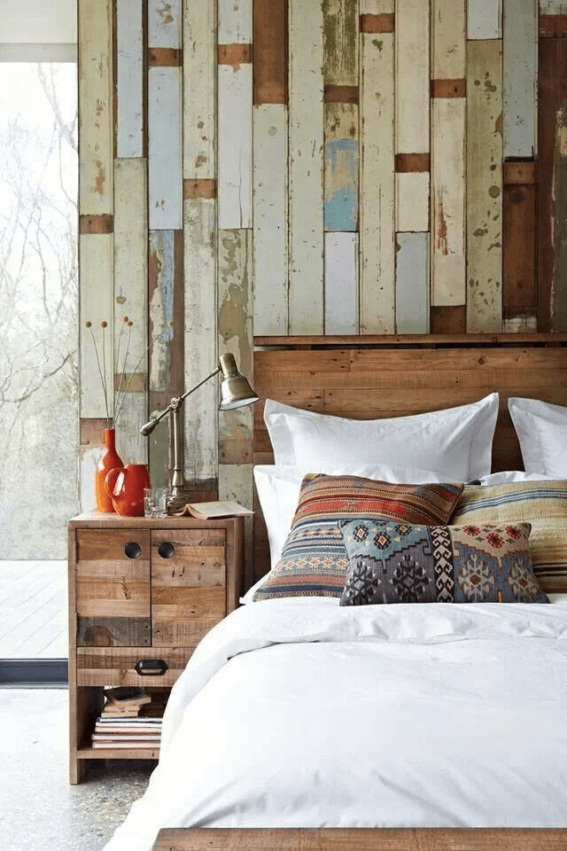 Reclaimed wood brick wall for rustic bedroom decor ideas