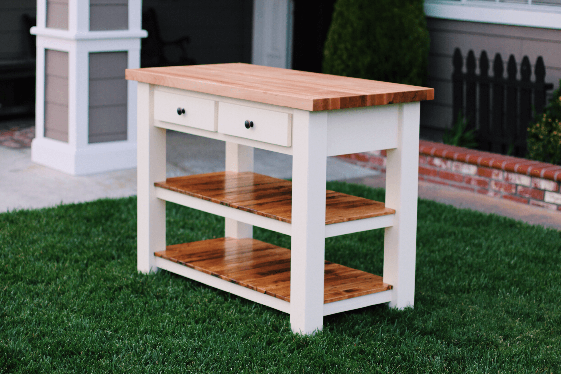 The Butcher Block Kitchen island for small spaces