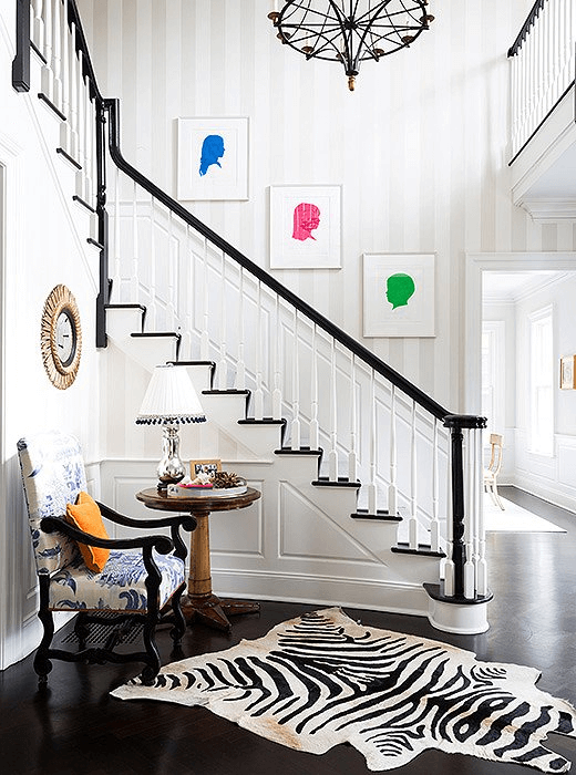 Bold color stairway wall decor ideas