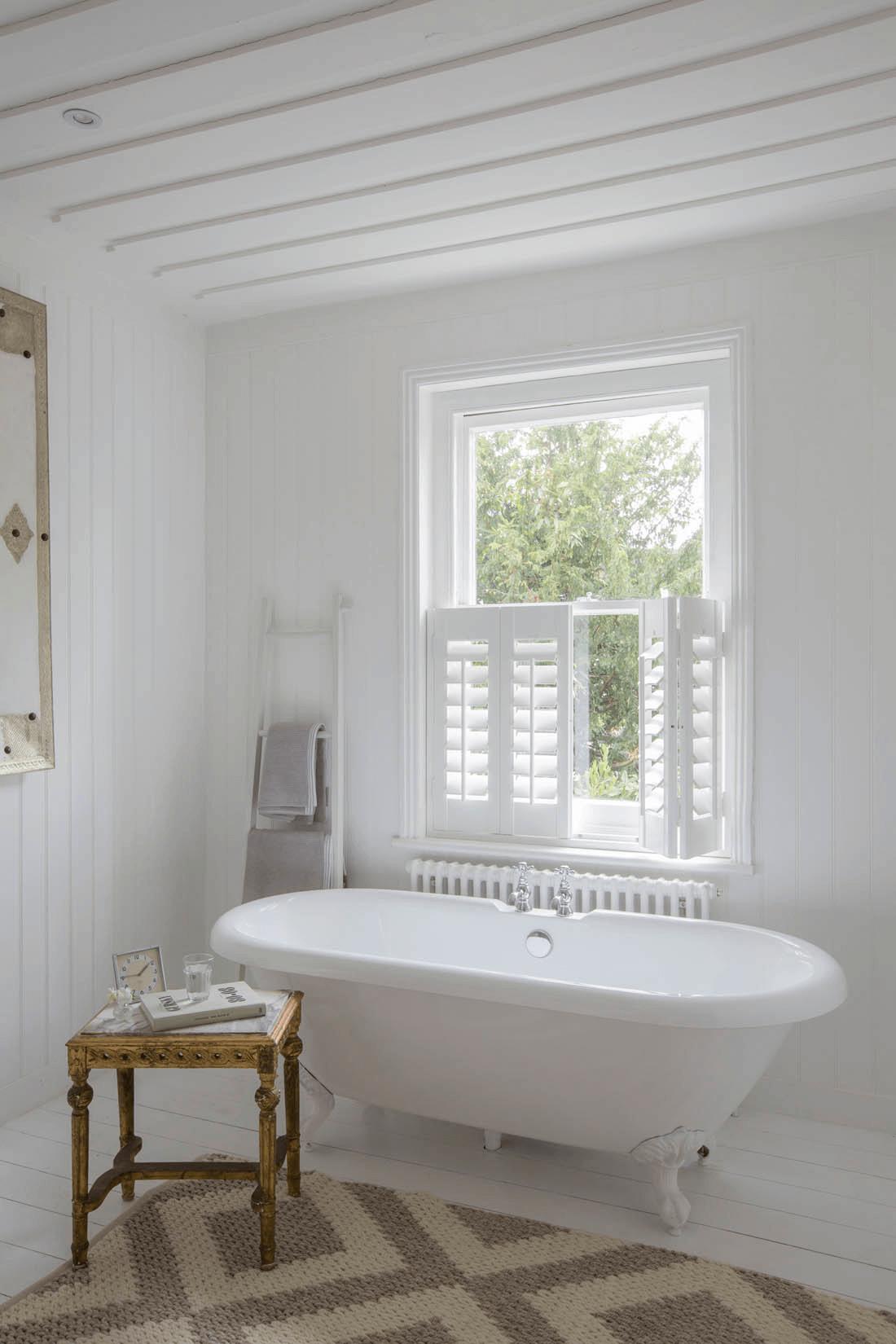 Half window indoor shutters for bathroom