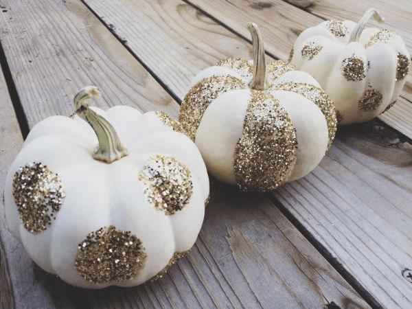 Glitter pumpkin painting