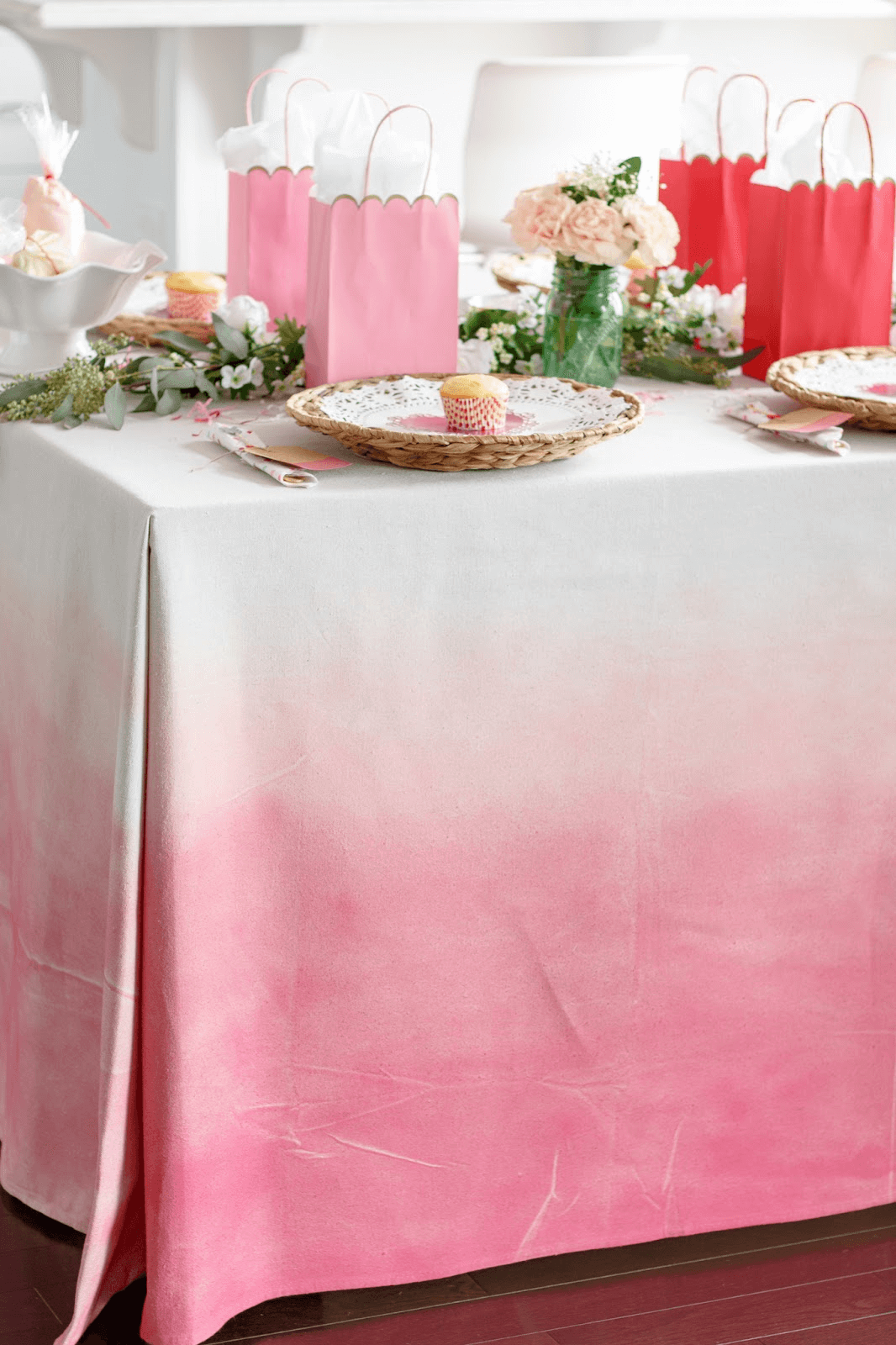 DIY pink ombre tablecloth dining table decoration ideas