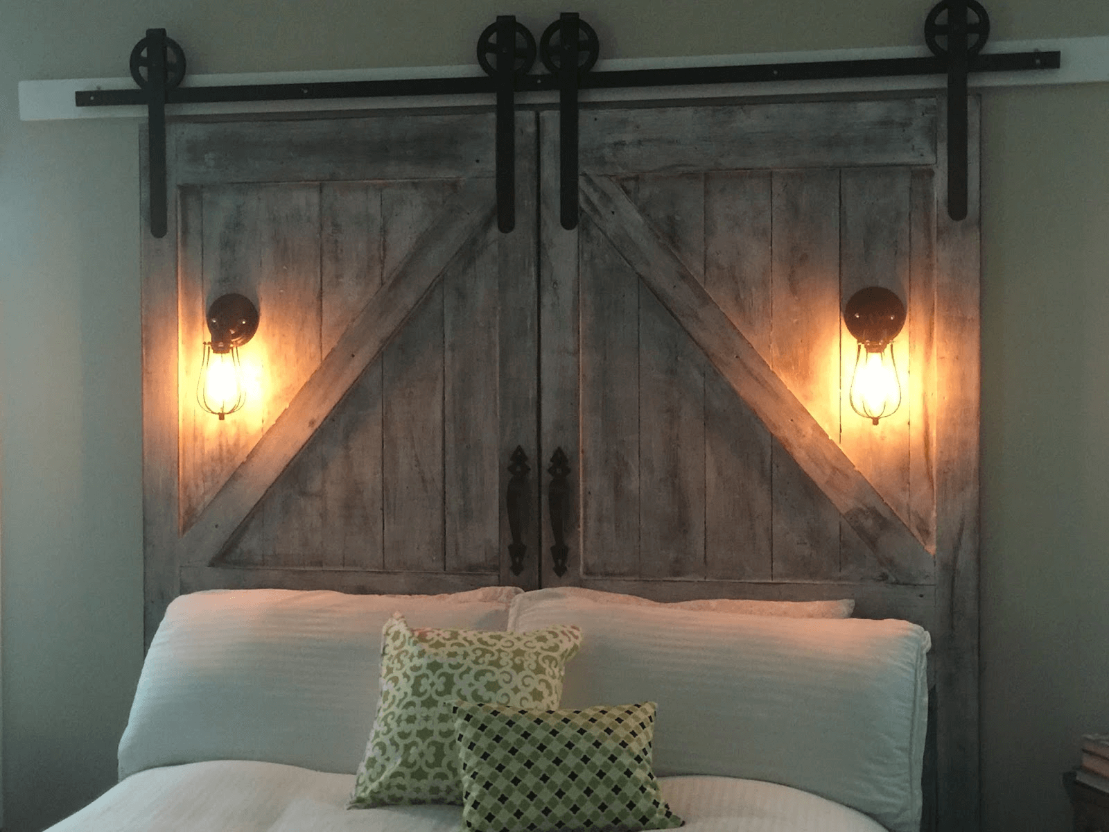 Creative door headboard ideas diy for wooden rustic bedroom decoration